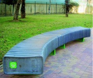 banco urbano de plástico reciclado