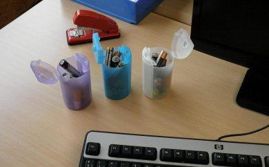 minicontenedor de pilas usadas